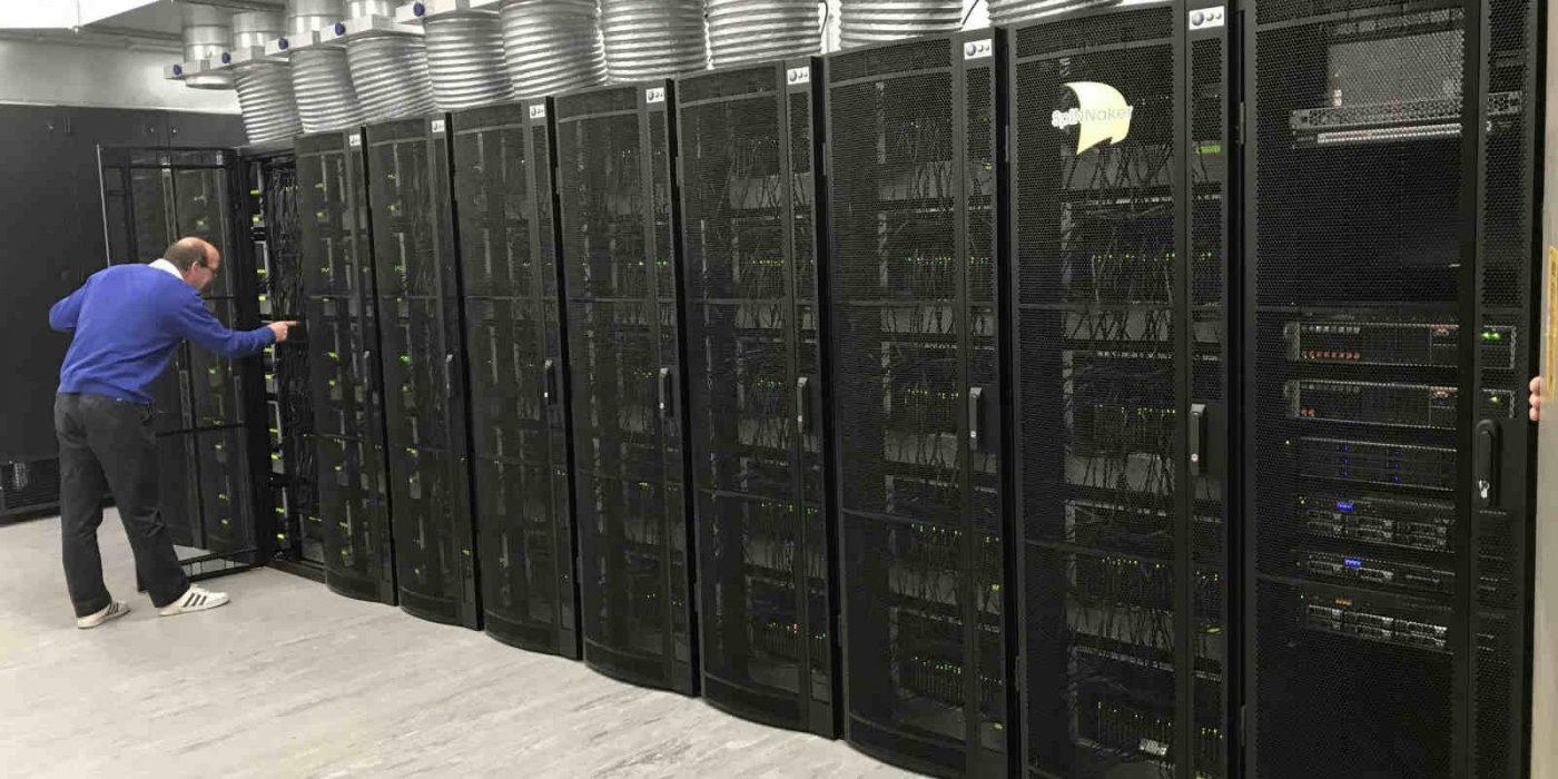 Server Adalah Otak Utama Bagi Komputer